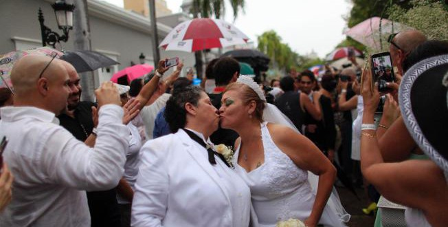 over-60-same-sex-couples-married-at-puerto-rico-wedding